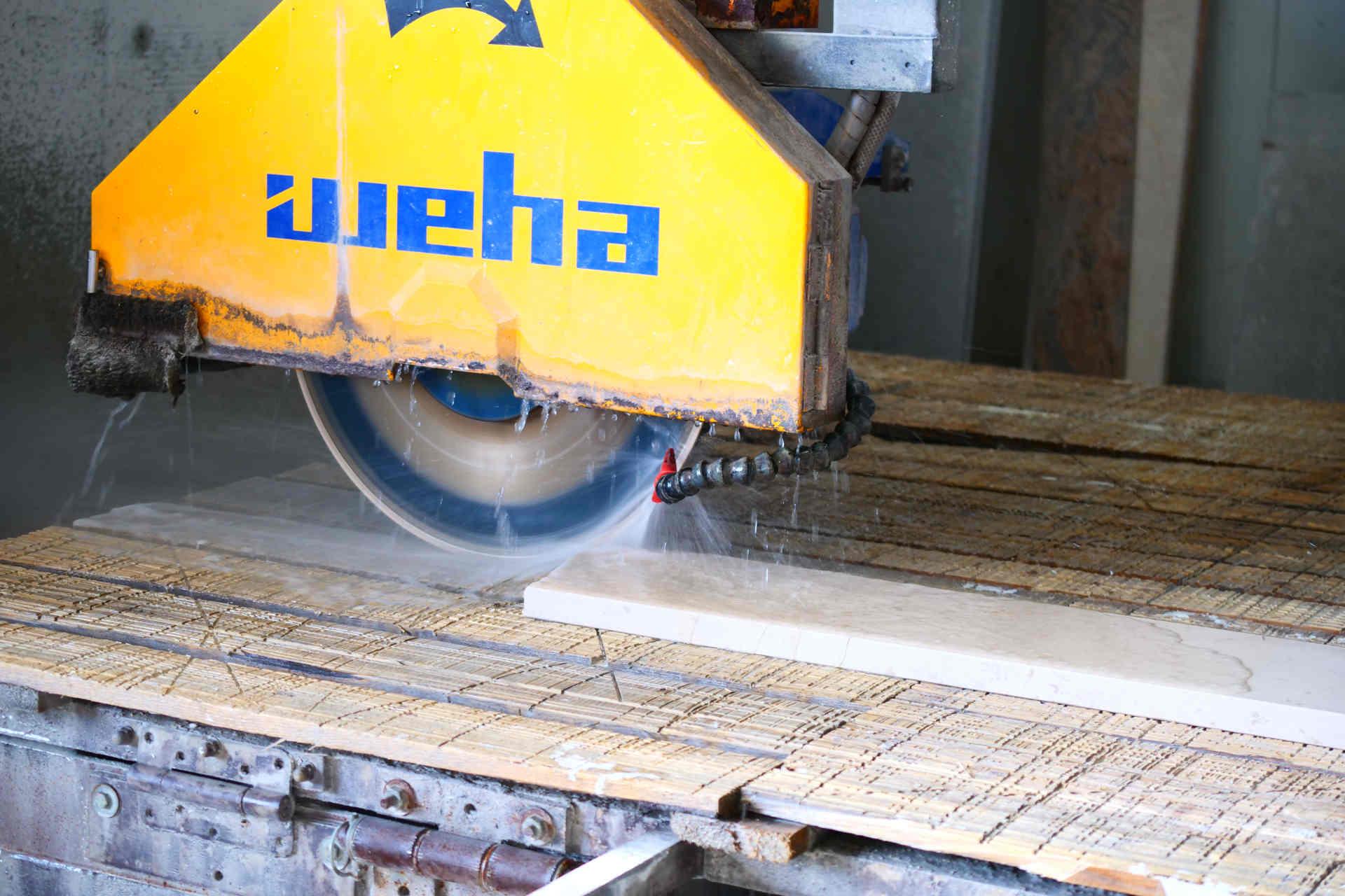 Werkzeug der Firma Kumschier & Lombardo Naturstein GmbH & Co. KG in Flintsbach am Inn